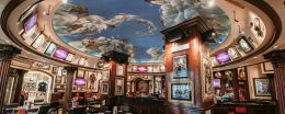 Visita l'Hard Rock Cafe di Roma