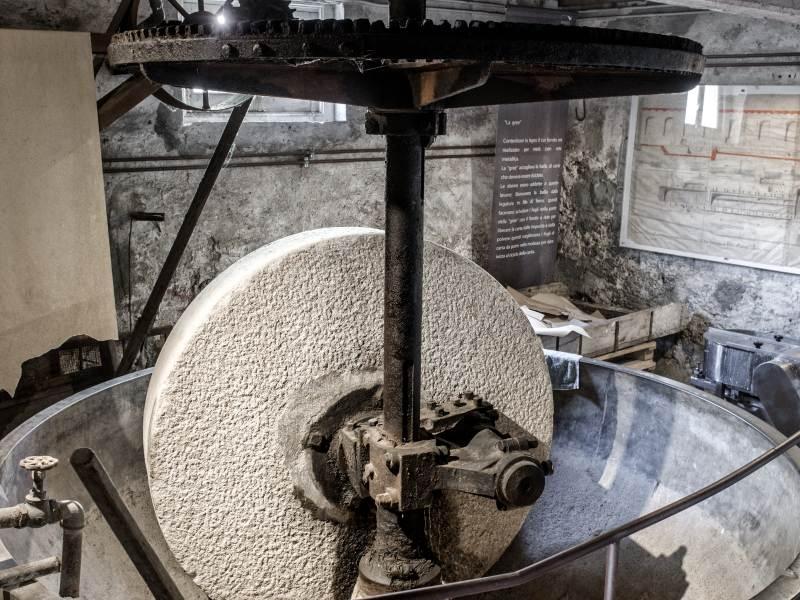 Visita il Museo della Carta di Mele